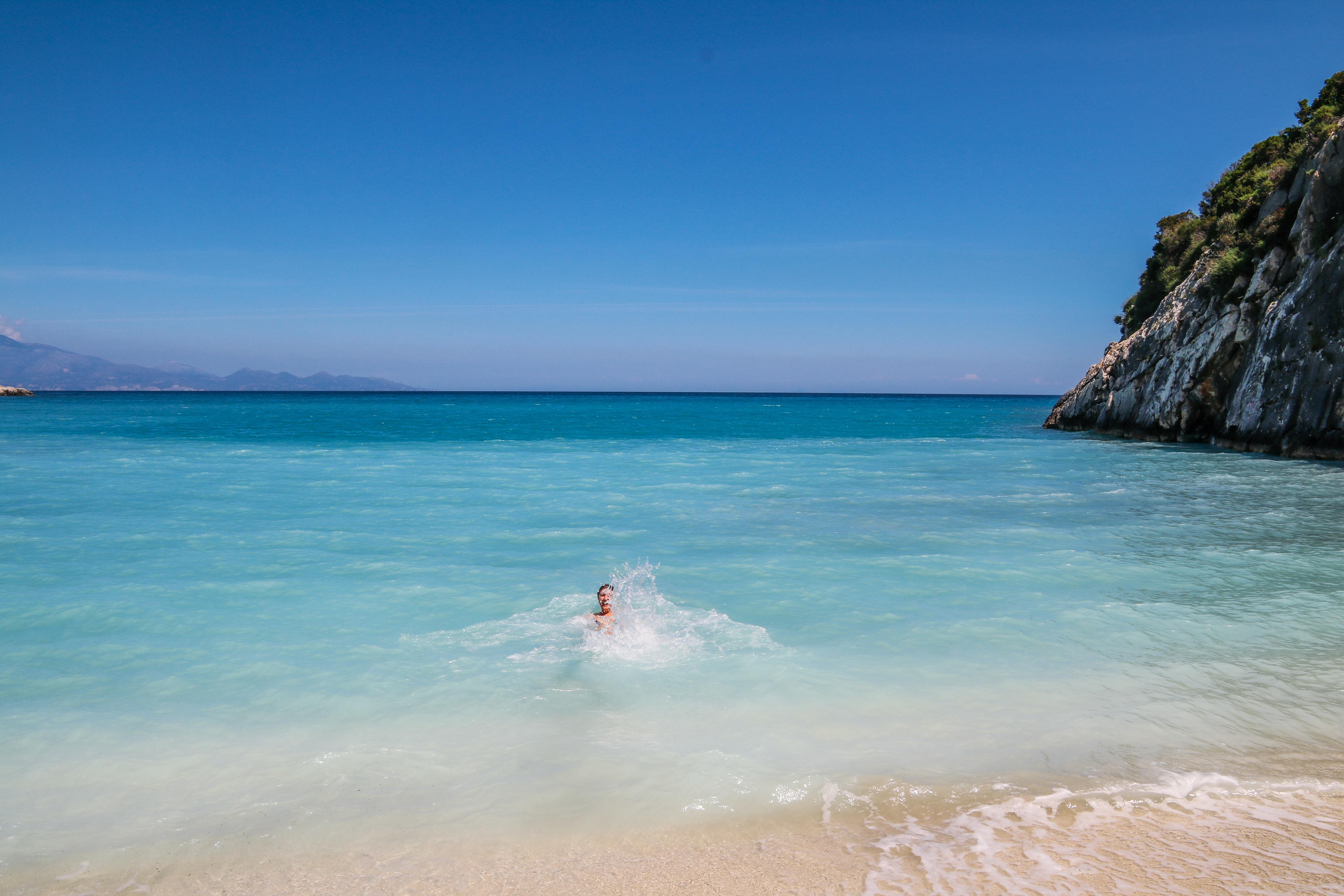 een duik in het water van Xigia